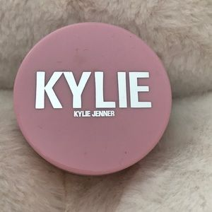 Kylie Cosmetics Setting Powder